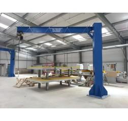 Under braced 2000KG Jib Crane with 4MTR Under beam x 4MTR Arm
