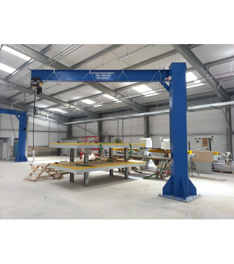 Under braced 2000KG Jib Crane with 3MTR Under beam x 3.5MTR Arm