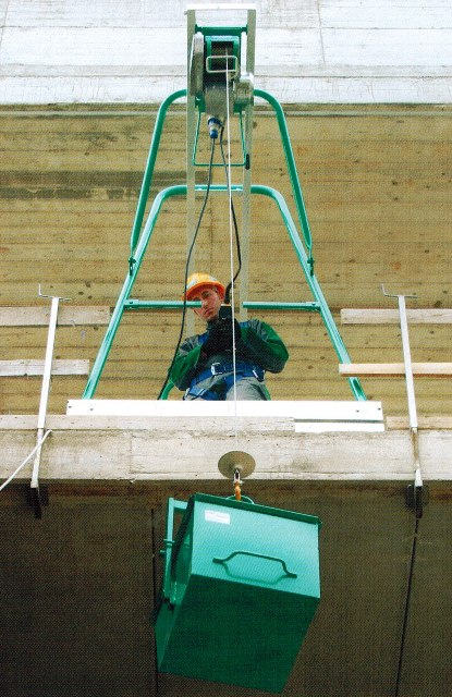 imer scaffold hoist